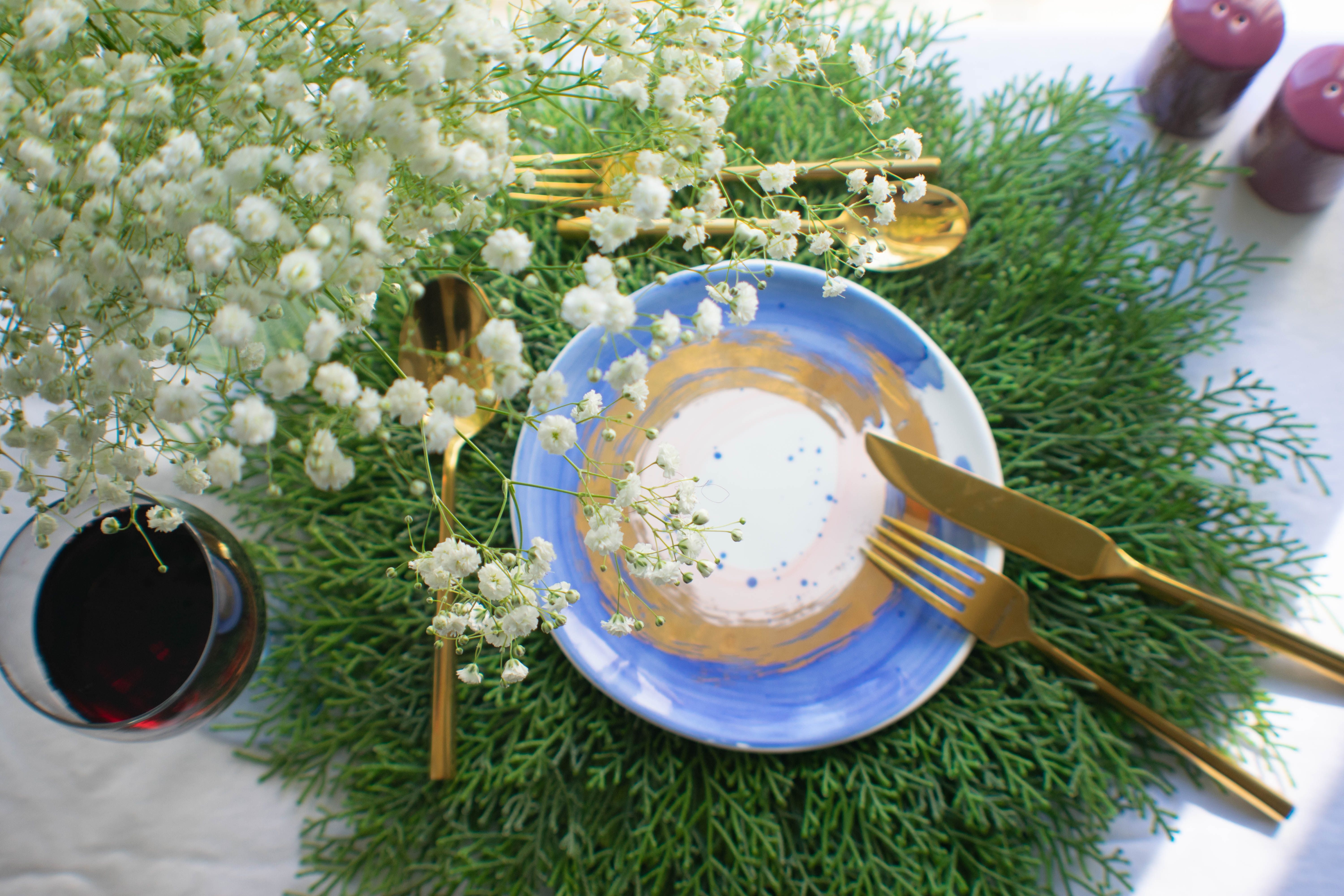 Dress Up Your Table With These Spring Inspired Plates